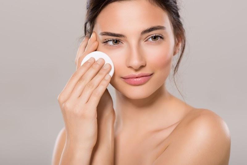 Sử dụng viên uống chống nắng nội sinh chăm sóc da mặt