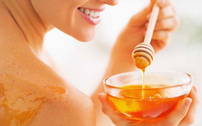 cách khôi phục da bị cháy nắng bằng mật ong