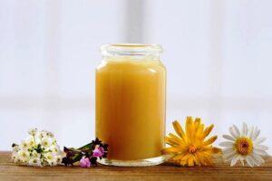 dưỡng trắng da bằng sữa ong chúa