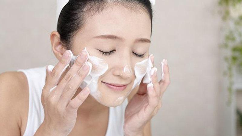 các bước skincare cho da dầu